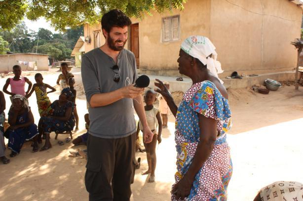 Au village de Condrobo, à une cinquantaine de kilomètres de Bouaké / In Condrobo village, about 50 km from Bouaké